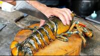 Тайская Уличная еда - приготовление блюда с гигантским омаром (Видео)