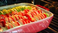 Яблочный пирог с клубникой - Видео-рецепт