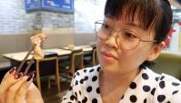 Пробую еду из корейских дорам! Свиные шкурки и кишки! (Видео)