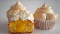 Капкейки с лимонным курдом и меренгой - Видео-рецепт