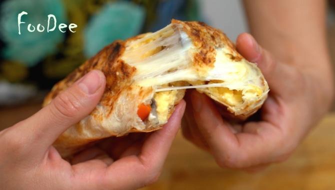 Хрустящие рулетики из лаваша с начинкой - Видео-рецепт