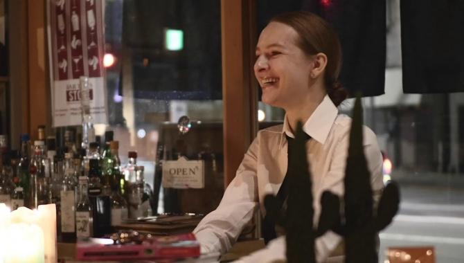 Женя открыла свой бар в Токио (Видео)