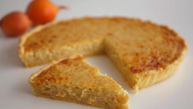 Пирог Чиполлино с луком и плавленым сыром - Видео-рецепт