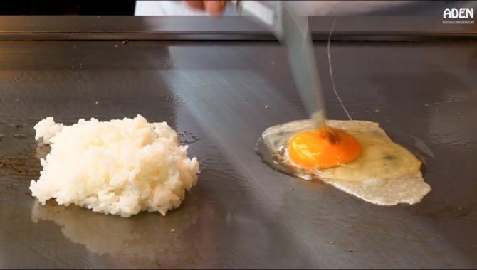 Жареный рис с яйцом - 3 различных способа приготовления (Видео)