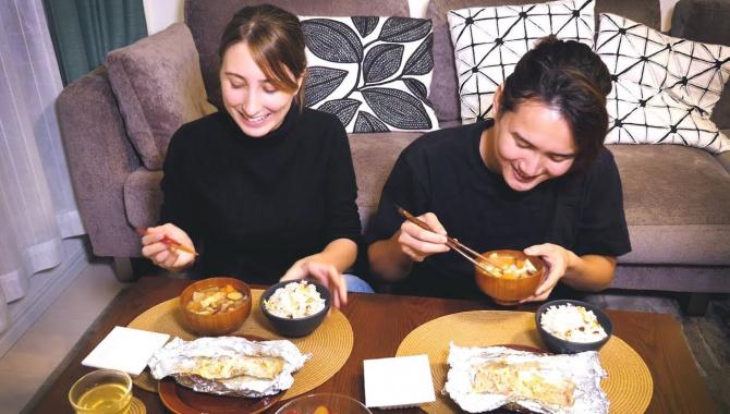 Осенняя японская кухня в тихий будний день. Сладкая картошка, лосось и японские приправы (Видео)