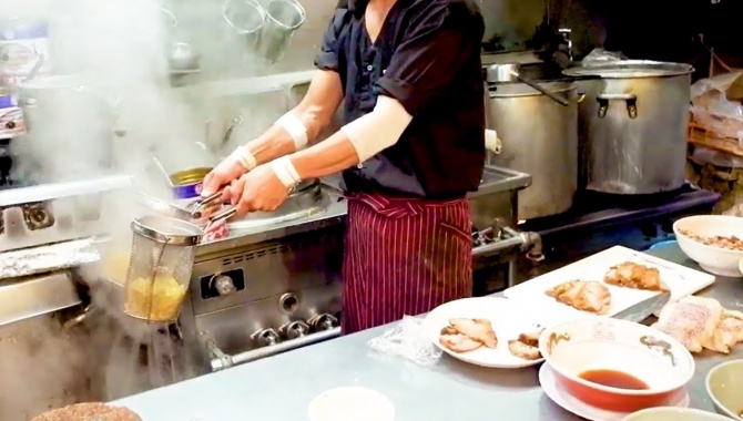 Японская уличная еда - Японский Рамен (Видео)