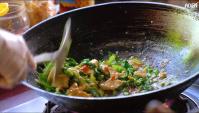 Тайская Еда - Жареный рис с курицей (Видео)