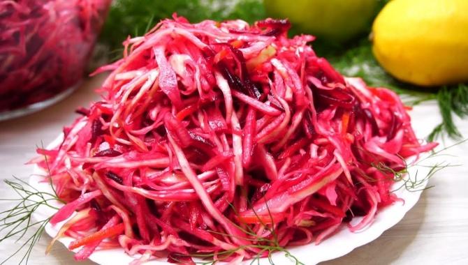 Салат из капусты с варенной свеклой - Видео-рецепт