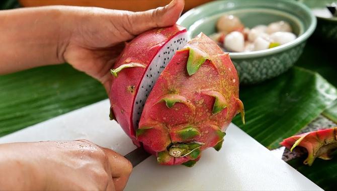 Тайская еда - Экзотические фрукты. Перепелиные яйца. Приготовление салата (Видео)