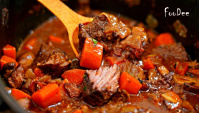 Говядина по-бургундски тушеная с овощами - Видео-рецепт