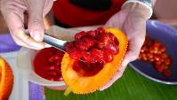 Тайская Еда - жареный рис с ананасом и напиток из инопланетного фрукта (Видео).