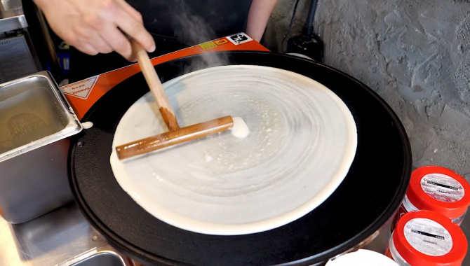 Корейская уличная еда - крепы с арахисовым маслом и нуттелой (Видео)