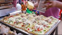 Уличная еда в Индии - пицца, сэндвич с сыром, креп, молочная лапша (Видео)