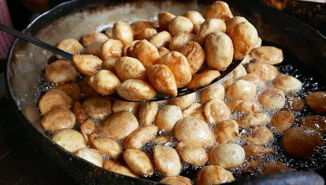Индийская уличная еда - Лучшая еда на завтрак! (Видео)