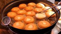 Уличная еда в Корее - Приготовление крокетов с овощами (Видео)