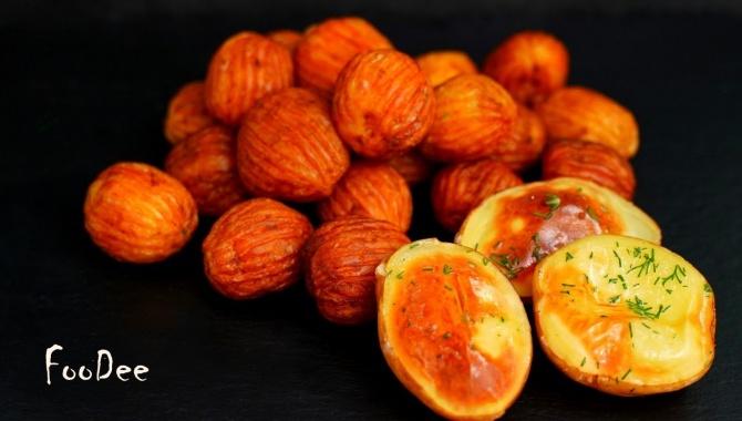 Картошка в духовке и на сковороде - Видео-рецепт