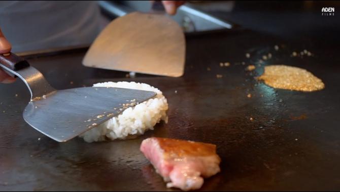 Японский жареный рис - Шаг за шагом. Приготовление в стиле Тэппанъяки (Видео)