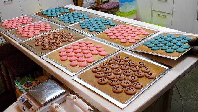 Корейское десерт-кафе - приготовление Макарунов (Макаронс) - Видео