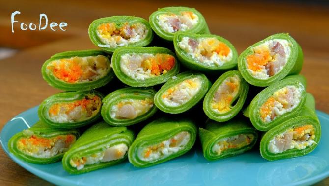 Вкусные блинчики со шпинатом и начинкой из селедки - Видео-рецепт