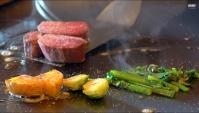 Теппаняки в Японии - Приготовление говядины Вагю с овощами (Видео)