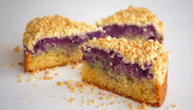 Пирог с ягодами и хрустящей крошкой - Видео-рецепт