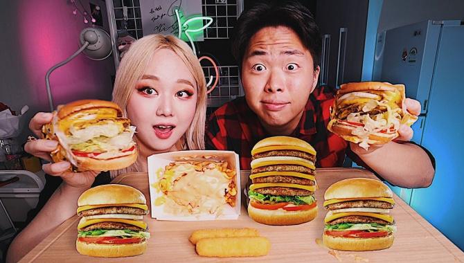 Лучшие Бургеры в Сеуле! Мукбанг (Видео)