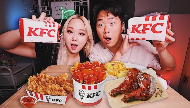 КОРЕЙСКАЯ ЕДА В KFC?! Куриная Кожа, Желудки, Токпокки! (Видео)
