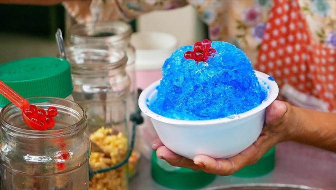 Тайская Уличная Еда - Радужное мороженое (Видео)
