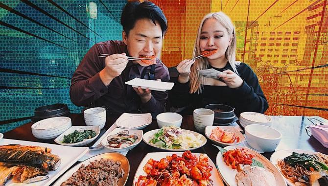Традиционная Корейская Еда vs Современная! Обзор-мукбанг (Видео)