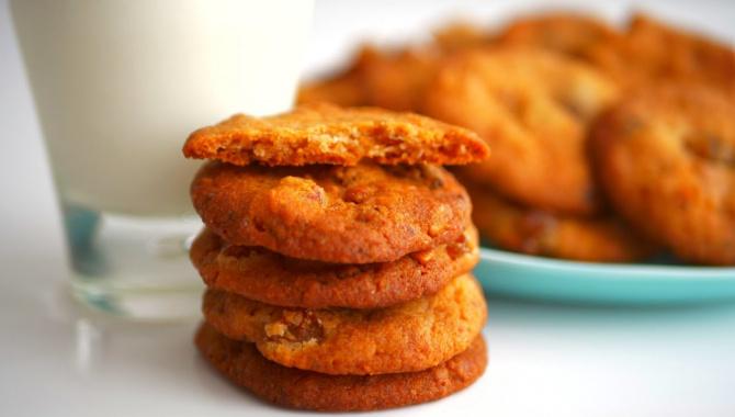 Печенье с изюмом и орехами без яиц - Видео-рецепт