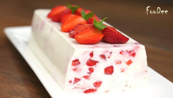 Нежный легкий десерт из творога и йогурта - Видео-рецепт
