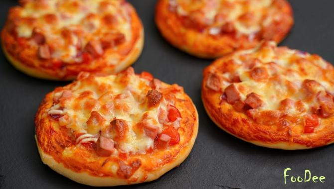 Домашние мини пиццы - Видео-рецепт