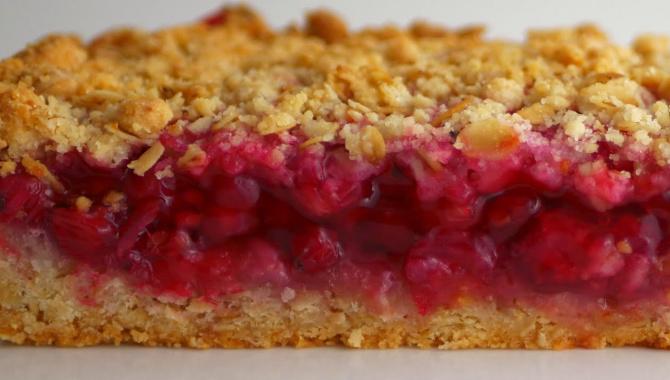 Насыпной пирог с ягодами - Видео-рецепт
