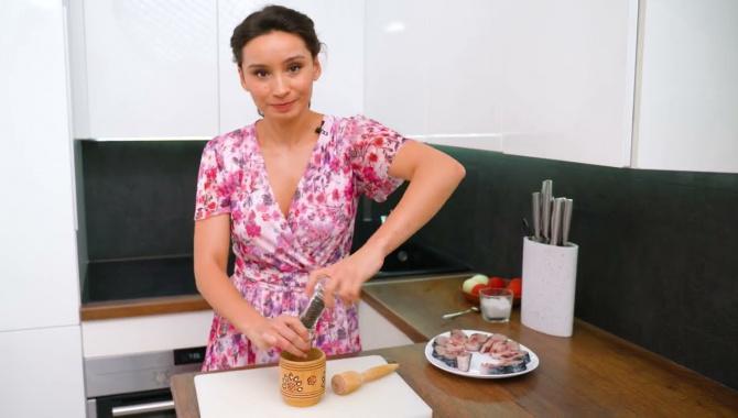 Вкусная скумбрия в духовке - Видео-рецепт