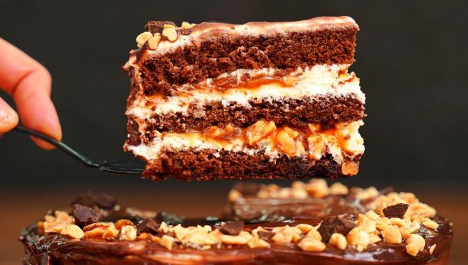 Шоколадный торт с карамелью - Видео-рецепт