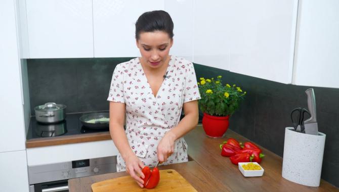 Очень вкусные фаршированные перцы - Видео-рецепт